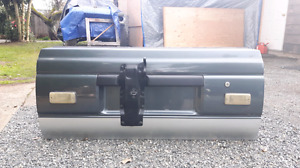 Toyota 4 runner tail gate