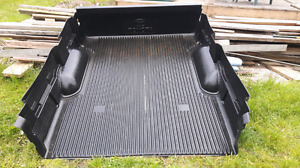 Toyota tundra bed liner and tailgate cover