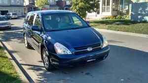 2006 Kia Sedona LX Mint Low Kms E-test valid $4000