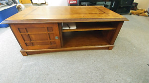 Oak coffee table and end tables