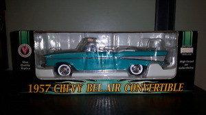Crown Jewels Napa 1:24 diecast 1957 Chevy Bel Air Convertible
