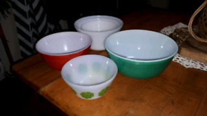 Lot 6 pyrex and federal bowls