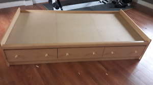 Single bed base with drawers
