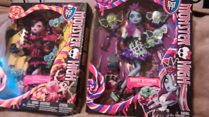 Lot 2 rare sweat screams monster high doll