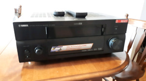 Yamaha RX-V2600 7.1 audio/video receiver