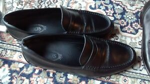 $800 TODS Black Penny Loafers IT10 US11