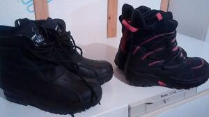 2 paire de bottes grandeur 6 et une de  pointure 7