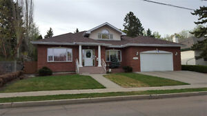 Spacious Five Bedroom Brick Home In Prime Pleasantview Location