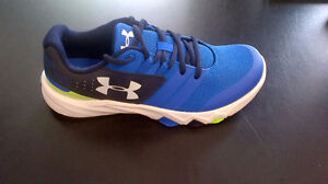 Brand New Under Armour Boy's Primed Blue-Green Running Shoes