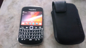 Blackberry Bold 9900 with Leather Case