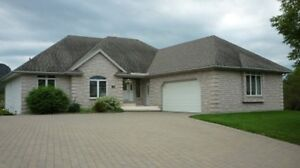 Must See! Beautiful Bungalow!