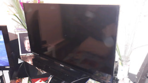 "Phillips 40"" smart tv led"