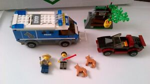 lego police dog van, car with 2 dogs and 2 minifigures see  pics