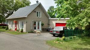 Belle petite maison à vendre Lacolle