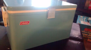 1977- Antique vintage Coleman Snow-Lite Low Boy cooler