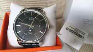 ESQ MOVADO WATCH RARE NEW IN A BOX  WATER RESISTANT  BEST PRICE