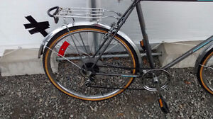 """Supercycle Commuter bike 23 """" frame 26x1.5 tires good state 5 sp West Island Greater Montréal image 3"""