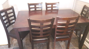 Kitchen /dining table and 6 chairs