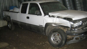 2000 CHEVROLET 2500 FOR PARTS