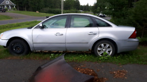2005 Ford Five Hundred SLE  AWD