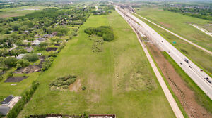 BIG LAND Opportunity - East St Paul Prime Location - Investment!