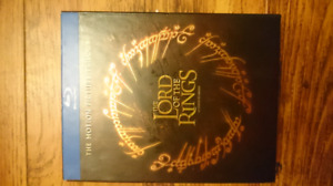 Lord of the Rings trilogy. (Blu-ray)