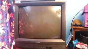 Tv 27 pouce avec