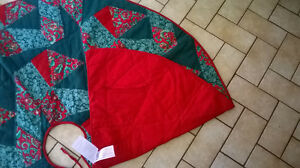Large Christmas Tree Skirt 52 Inches in Diameter Windsor Region Ontario image 2
