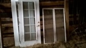 Lot de fenêtres et portes d'acier