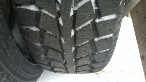 Uniroyal Tiger Paws Ice & Snow P205/55R16 West Island Greater Montréal image 1