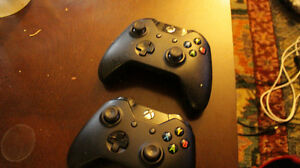 XBOX ONE PS4 SWAP GAMES AND 2 CONTROLLERS