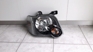 lumiere avant (head lamp) ford sport trac (explorer)