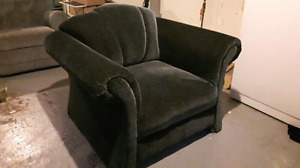 Green livingroom chair+ Rocking chair $20!!!!
