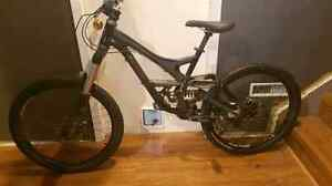 Like New 2009 Specialized Demo 7 II *Medium*