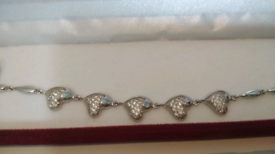 STUNNING STERLING SILVER HEART BRACELET - perfect for Christmas!