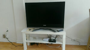 TV Toshiba with accessories and bench all at 180$