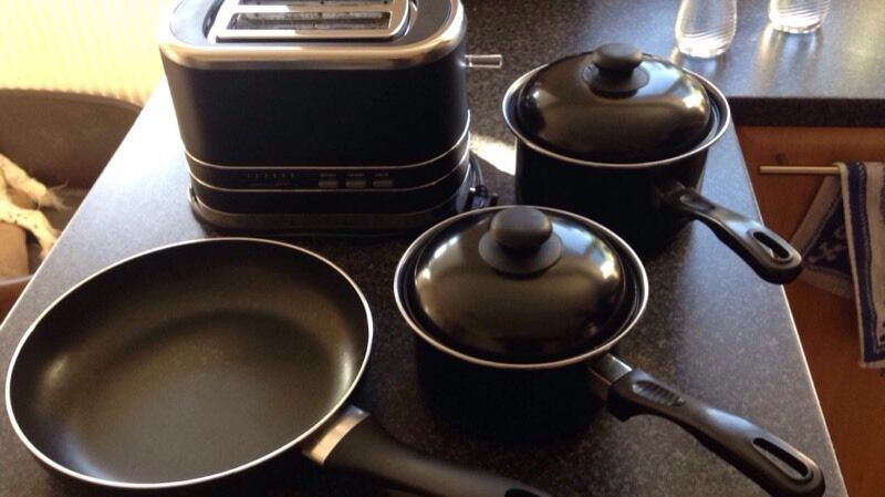 Pots, Pans and Toasterin Mangotsfield, BristolGumtree - Used but still in very good condition.Marks and Spencer toaster. £10.00