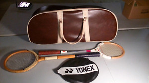 Vintage rackets with bag