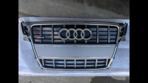 2009-2012 Audi B8 S4 stock grille