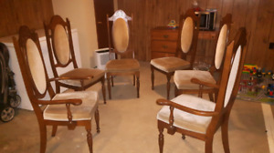 For sale 6 chairs for free