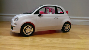 Voiture FIAT barbie