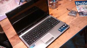 Asus i5 laptop computer