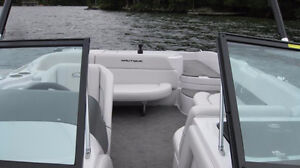 Great Crossover boat Wakeboard/ ski /surf Peterborough Peterborough Area image 4