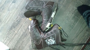 Shawn white Burton boots