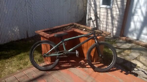 BMX BIKE Giant Method 00 2010  475$