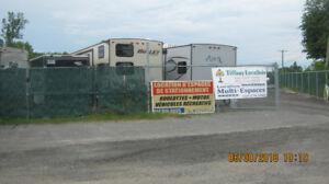 Espace d,entreposage pour V.R. et mini entrepôt et containers