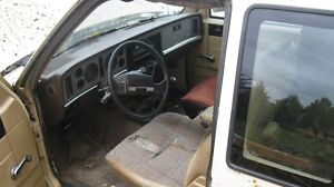 1985 S15 Ext cab Diesel For Parts