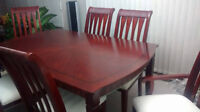 Beautiful solid wood table and 6 chairs