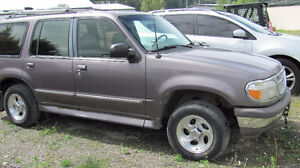 1996 Ford Explorer SUV, Crossover