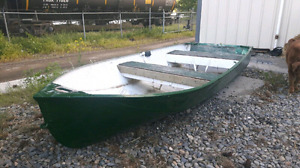 12' aluminum fishing boat PICK UP TODAY $800 takes